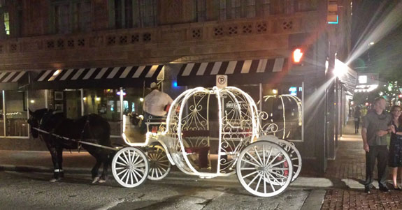 Horse-drawn carriage in Sundance Square