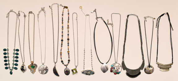 short necklaces worn - 2015